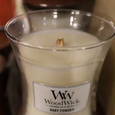 Candela WoodWick Baby Powder
