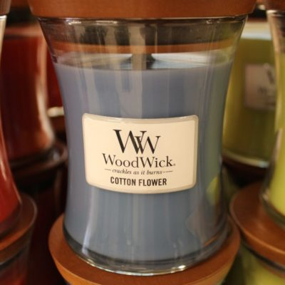 Candela WoodWick Cotton Flower